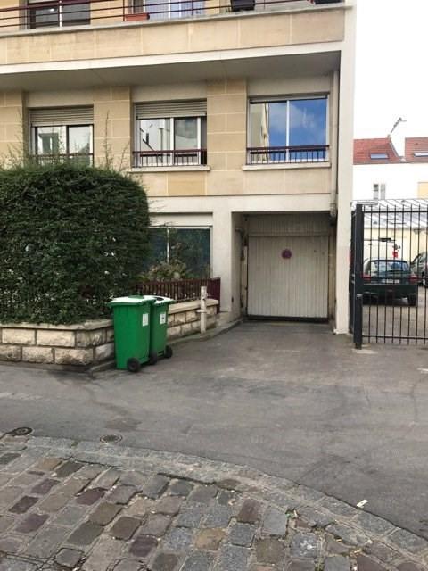 Rental parking spaces Paris 11ème 149,50€ CC - Picture 1