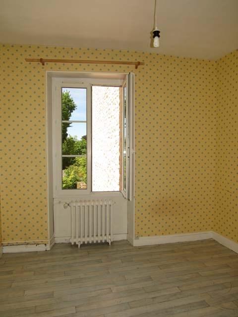 Sale house / villa Saint-jean-d'angély 69800€ - Picture 6