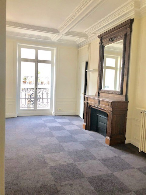 Location bureau Paris 8ème 15 333€ HC - Photo 6