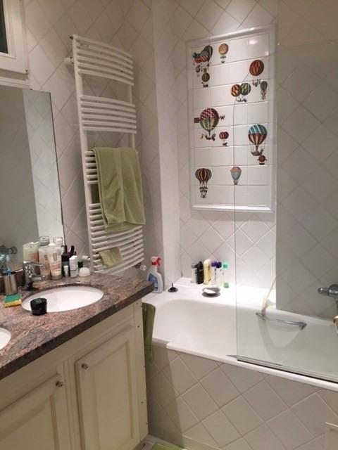 Location appartement Paris 16ème 2250€ CC - Photo 7