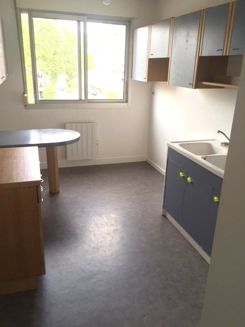 Location appartement Lyon 6ème 878€ CC - Photo 5
