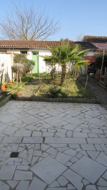 Vente maison / villa Saint-jean-d'angély 93900€ - Photo 2