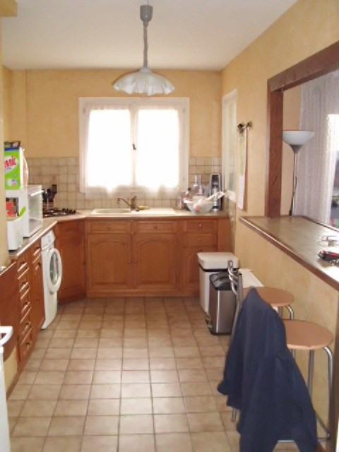 Rental apartment Maurepas 782€ CC - Picture 2