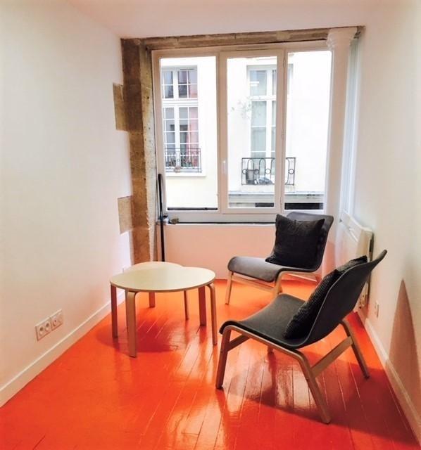 Rental apartment Paris 3ème 910€ CC - Picture 1