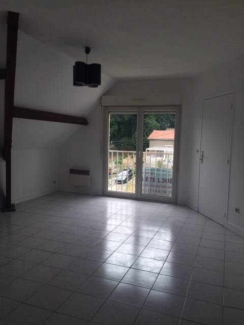 Location appartement Breuillet 495€ CC - Photo 1
