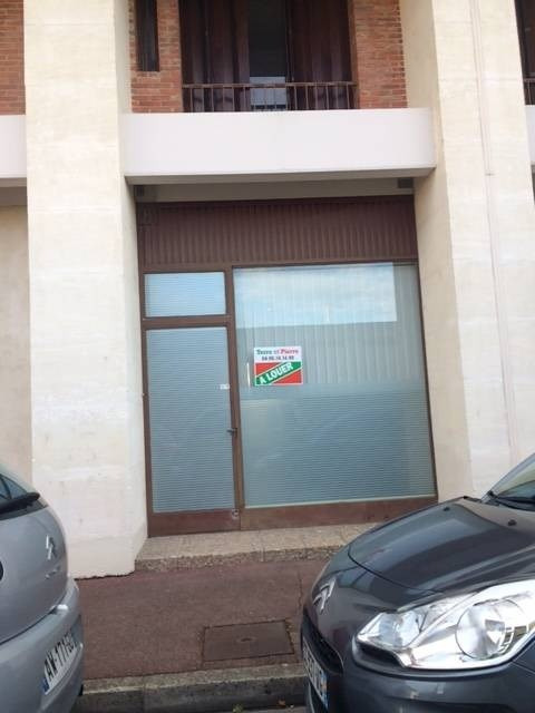 Rental empty room/storage Avignon 527€ CC - Picture 5