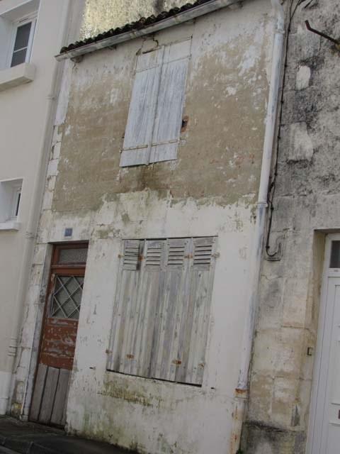 Vente maison / villa Saint-jean-d'angély 17250€ - Photo 2