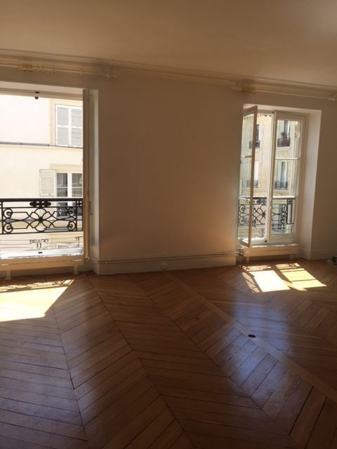 Location appartement Paris 7ème 2 800€ CC - Photo 2