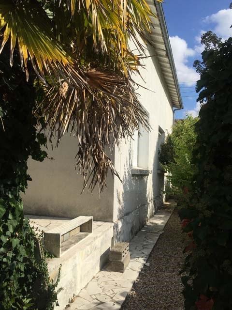 Vente maison / villa Saint-jean-d'angély 157950€ - Photo 2