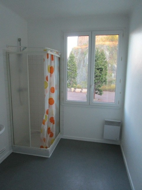 Location appartement St lo 417€ CC - Photo 4