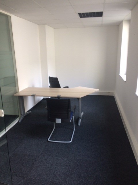 Rental office Strasbourg 1 650€ CC - Picture 2