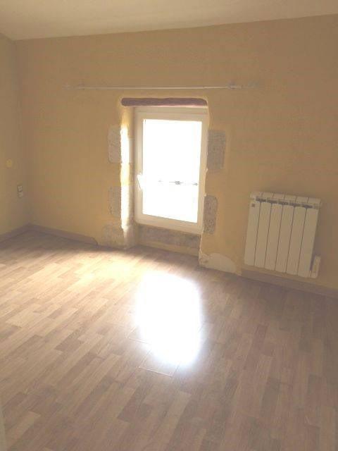 Rental apartment Domazan 653€ CC - Picture 2