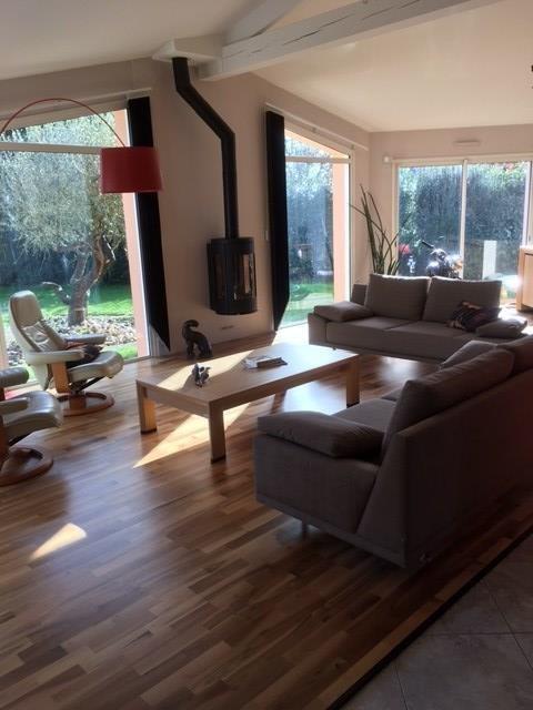 Sale house / villa Saint-philbert-de-grand-lieu 387000€ - Picture 2