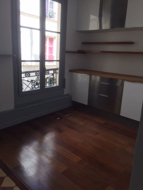 Location appartement Paris 7ème 2 800€ CC - Photo 8