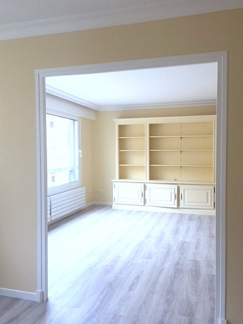 Location appartement Paris 15ème 1 945€ CC - Photo 1