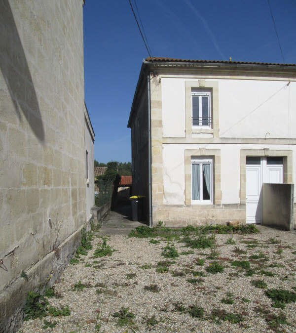Location maison / villa St yzan de soudiac 590€ CC - Photo 1