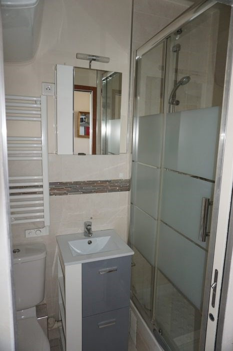 Location appartement Paris 11ème 850€ CC - Photo 3