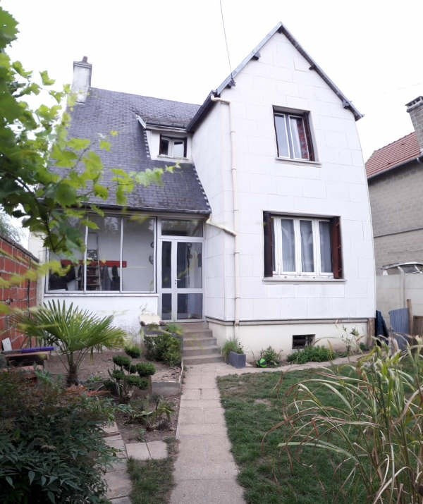 Sale house / villa Gisors 177 720€ - Picture 1