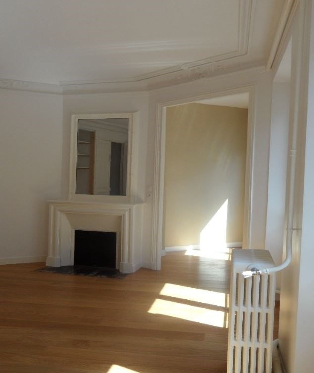 Rental apartment Paris 8ème 3 150€ CC - Picture 2