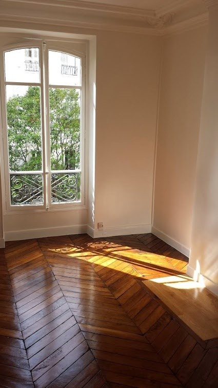 Location appartement Paris 2ème 2 400€ CC - Photo 5