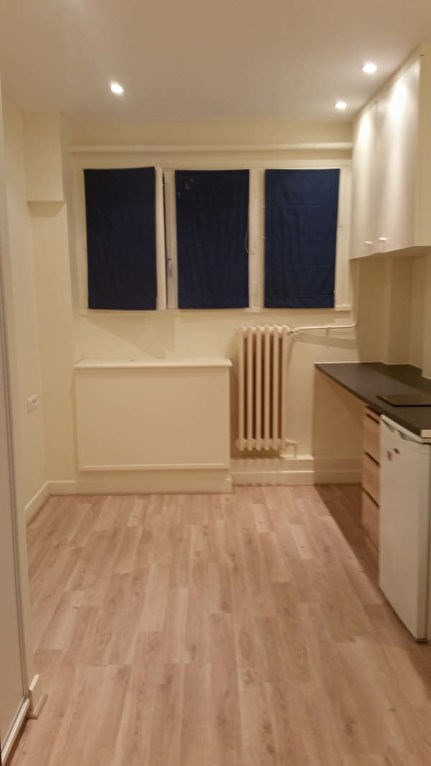 Rental apartment St germain en laye 430€ CC - Picture 1