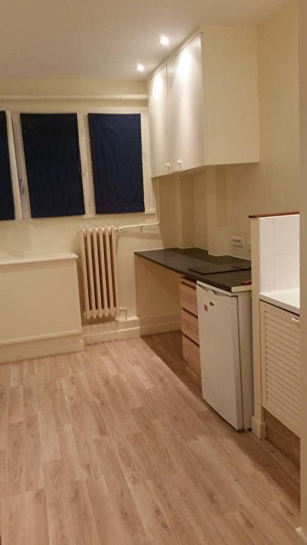 Rental apartment St germain en laye 430€ CC - Picture 2