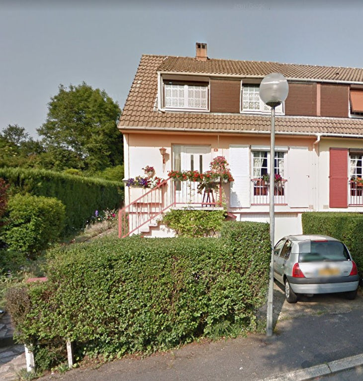 Sale house / villa Beauvais 180 000€ - Picture 1