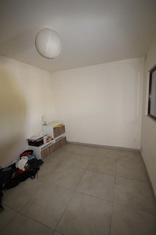 Location appartement Lambesc 563€ CC - Photo 3