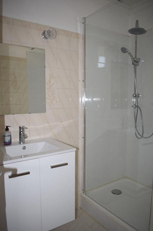 Vendita appartamento Sorgues 80000€ - Fotografia 6