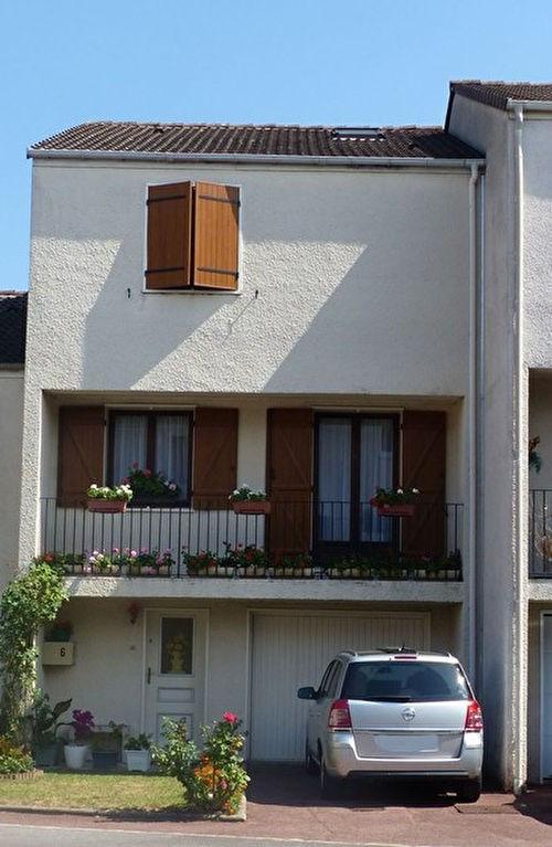 Sale house / villa Meaux 261500€ - Picture 1