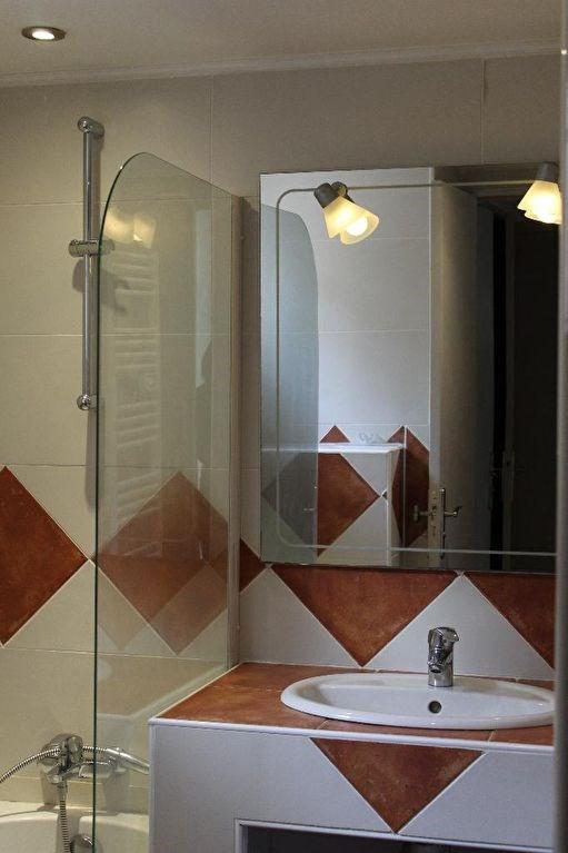 Location maison / villa Eguilles 2400€ CC - Photo 12