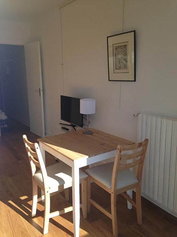 Location appartement Paris 15ème 1058€ CC - Photo 5