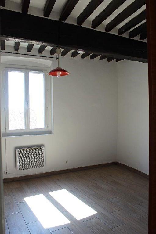 Rental apartment Lambesc 430€ CC - Picture 1