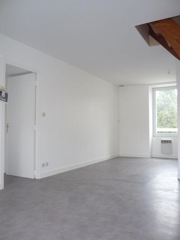 LAVAL appartement T3 en duplex