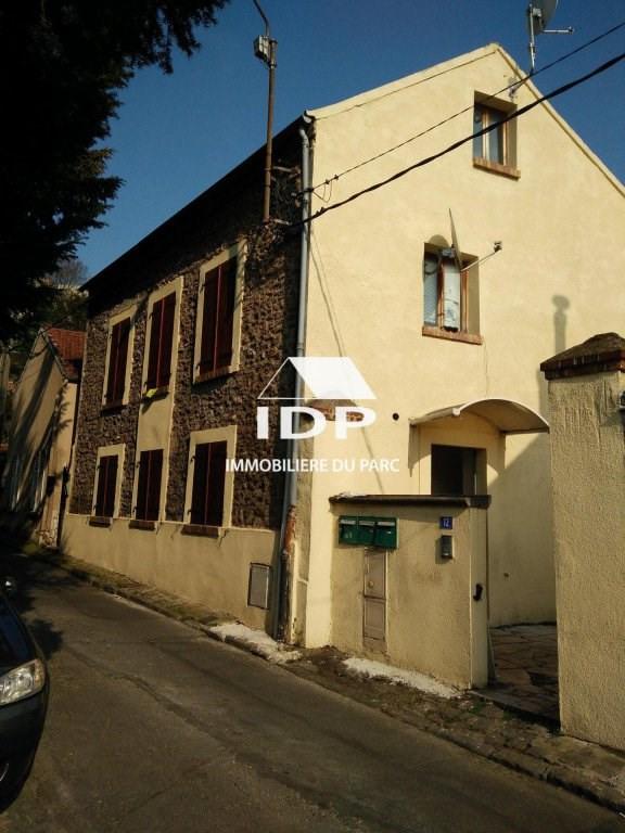 Location appartement Corbeil-essonnes 590€ CC - Photo 1