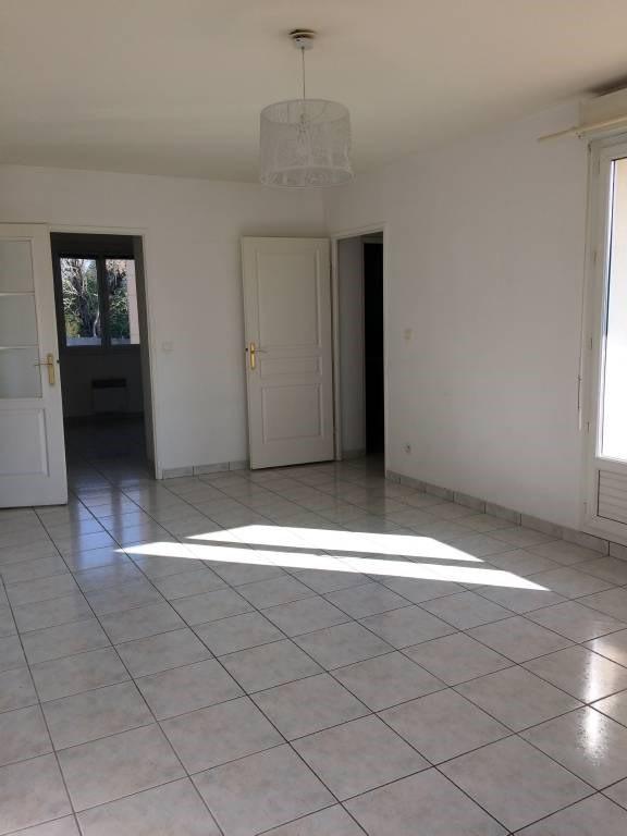 Location appartement Bruyeres-le-chatel 851€ CC - Photo 2
