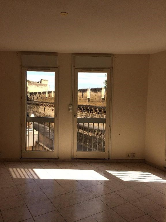 Rental apartment Avignon 860€ CC - Picture 1