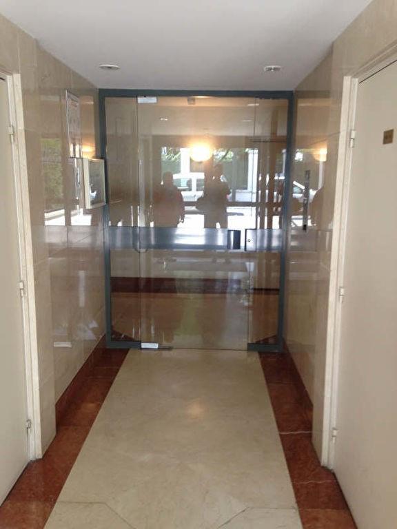 Location appartement La garenne colombes 751€ CC - Photo 2