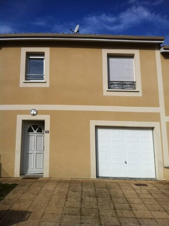 Location maison / villa Genissac 737€ CC - Photo 1