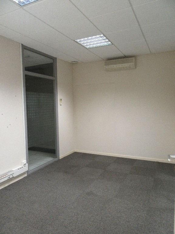 Rental empty room/storage Aire sur l adour 860€ CC - Picture 6