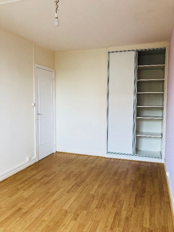 Location appartement Poissy 990€ CC - Photo 4