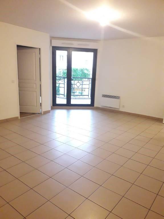 Rental apartment Arpajon 997€ CC - Picture 3