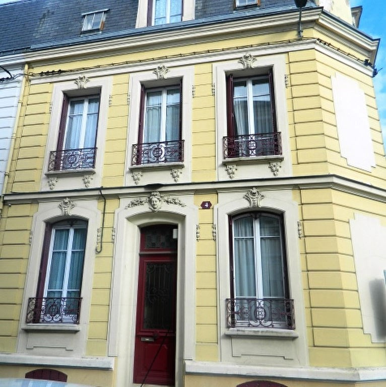 Sale house / villa Meaux 650 000€ - Picture 1