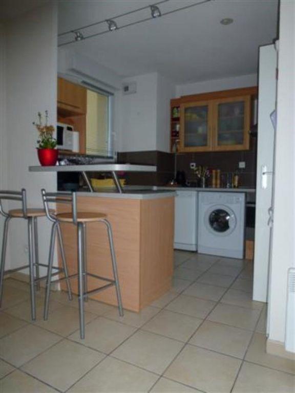 Location appartement Castanet-tolosan 773€ CC - Photo 3