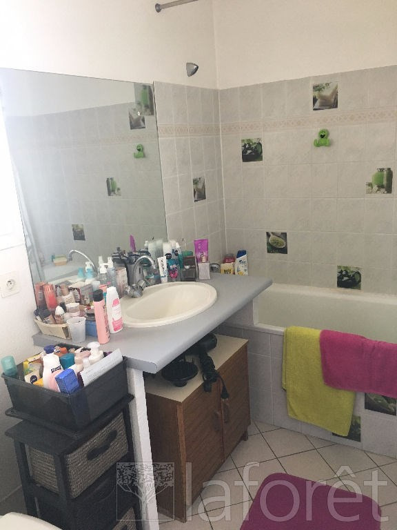 Vente maison / villa L isle d abeau 177000€ - Photo 6