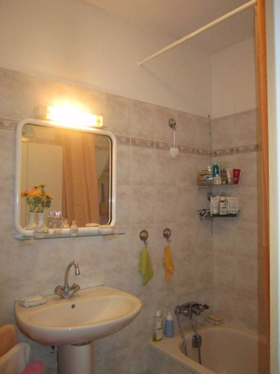 Location maison / villa Lambesc 895€ CC - Photo 4