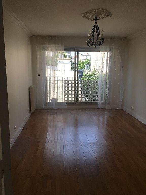 Location appartement Neuilly sur seine 1501€ CC - Photo 1