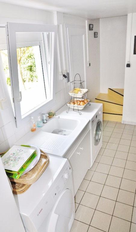 Deluxe sale house / villa Saint berthevin 582000€ - Picture 12