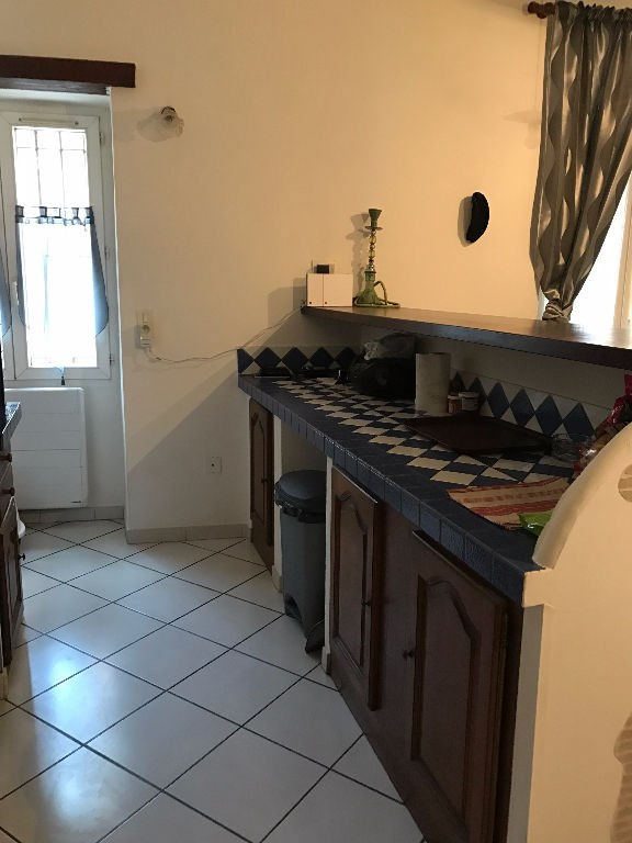 Location appartement Lambesc 710€ CC - Photo 3