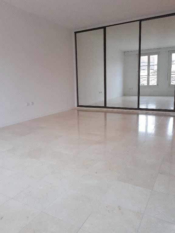 Rental apartment St germain en laye 1050€ CC - Picture 2